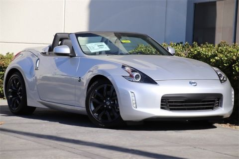 Pre-Owned 2018 Nissan 370Z Touring